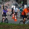 Manobras, Competição do mais lento e muitas bicicletas